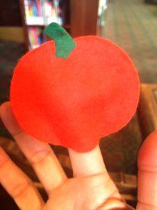 pumpkin-finger-puppet