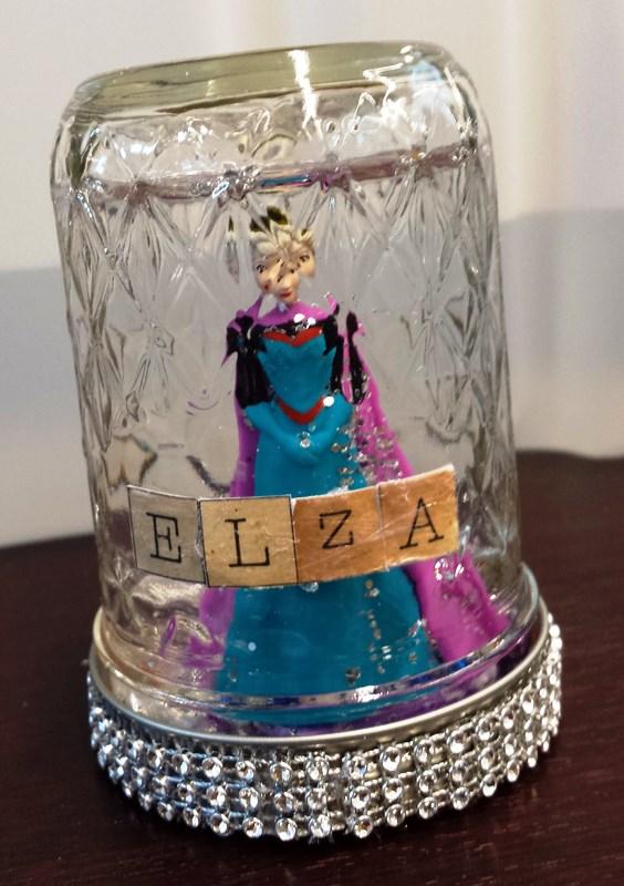 Elza snowglobe by Lauren S. age 13