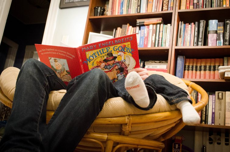 image-father-son-reading