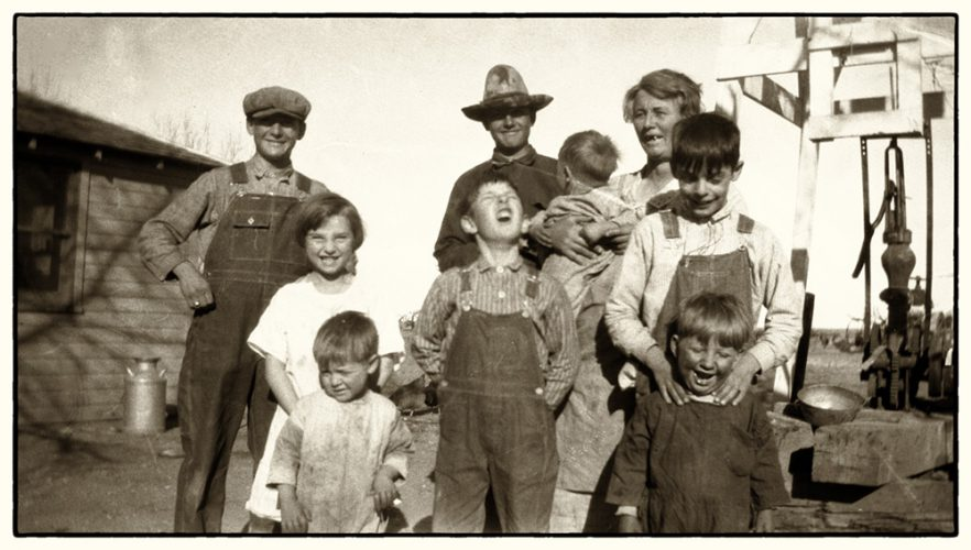 Image of 1927 Midwestern family